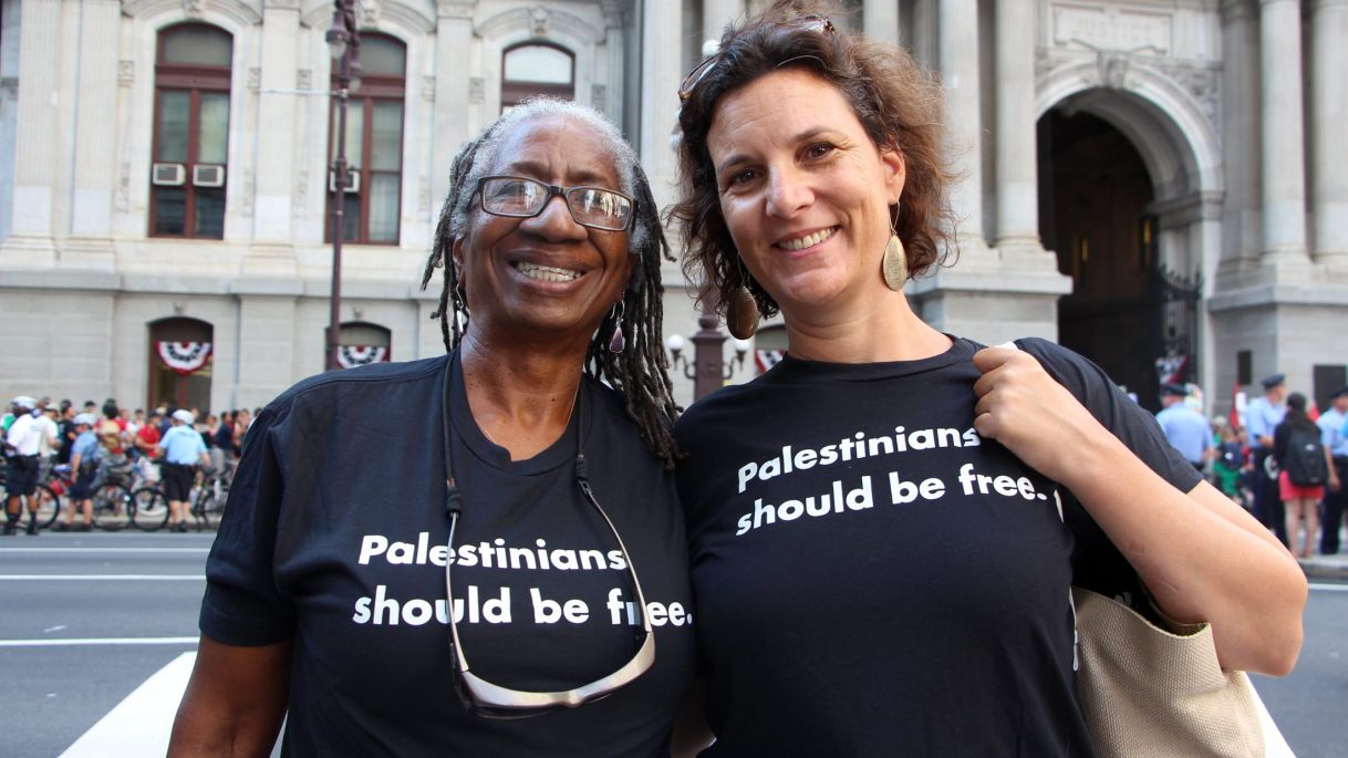 Rebecca Vilkomerson (right) in July 2016 with Caroline Hunter, who was part of the movement to end apartheid in South Africa. Photo Credit: JVP