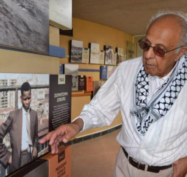 Ahmed Kathrada, iconic anti-apartheid activist in South Africa, and supporter of Palestinian rights, has died.